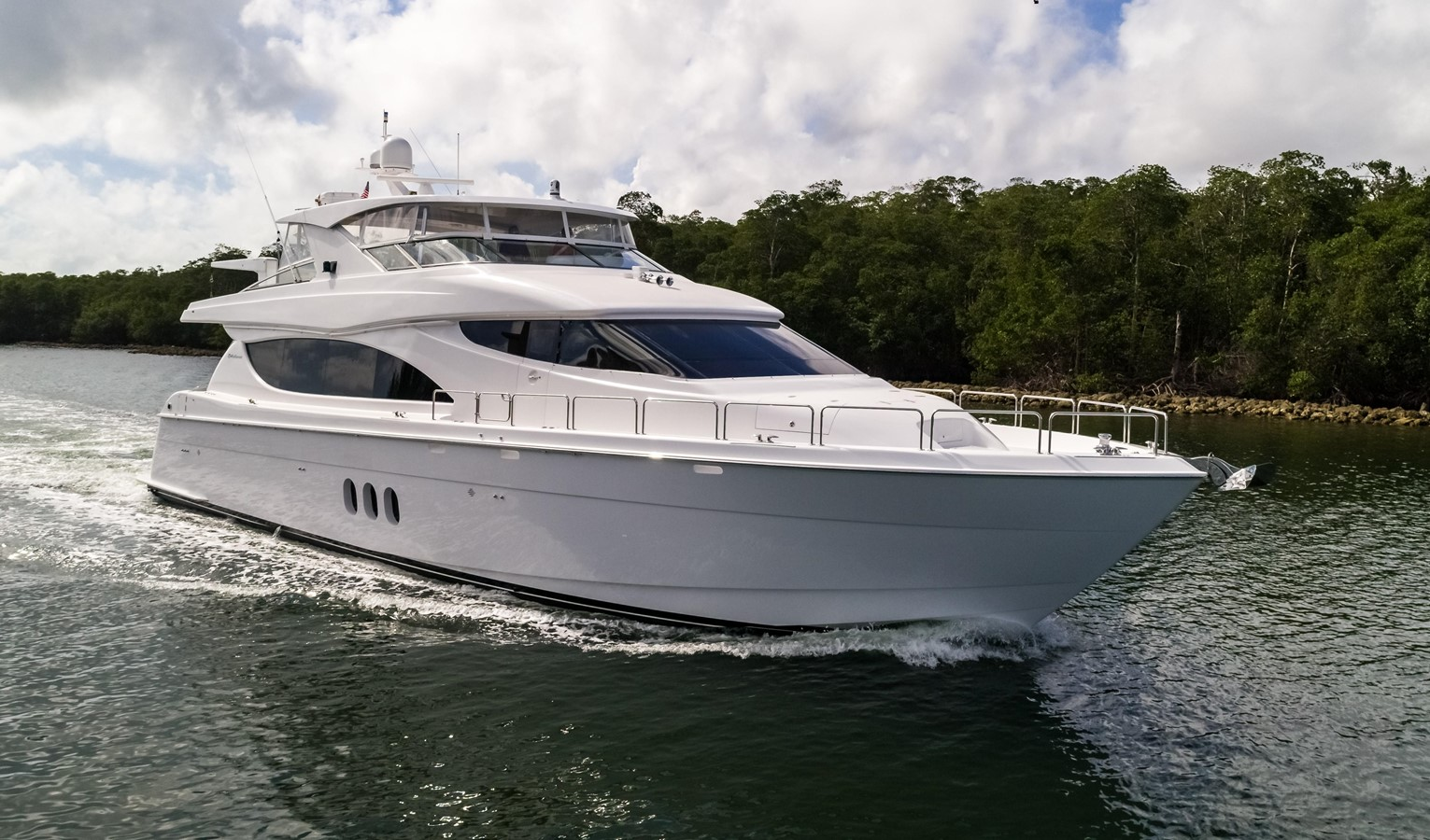 2013 Hatteras 80 Motor Yacht For Sale