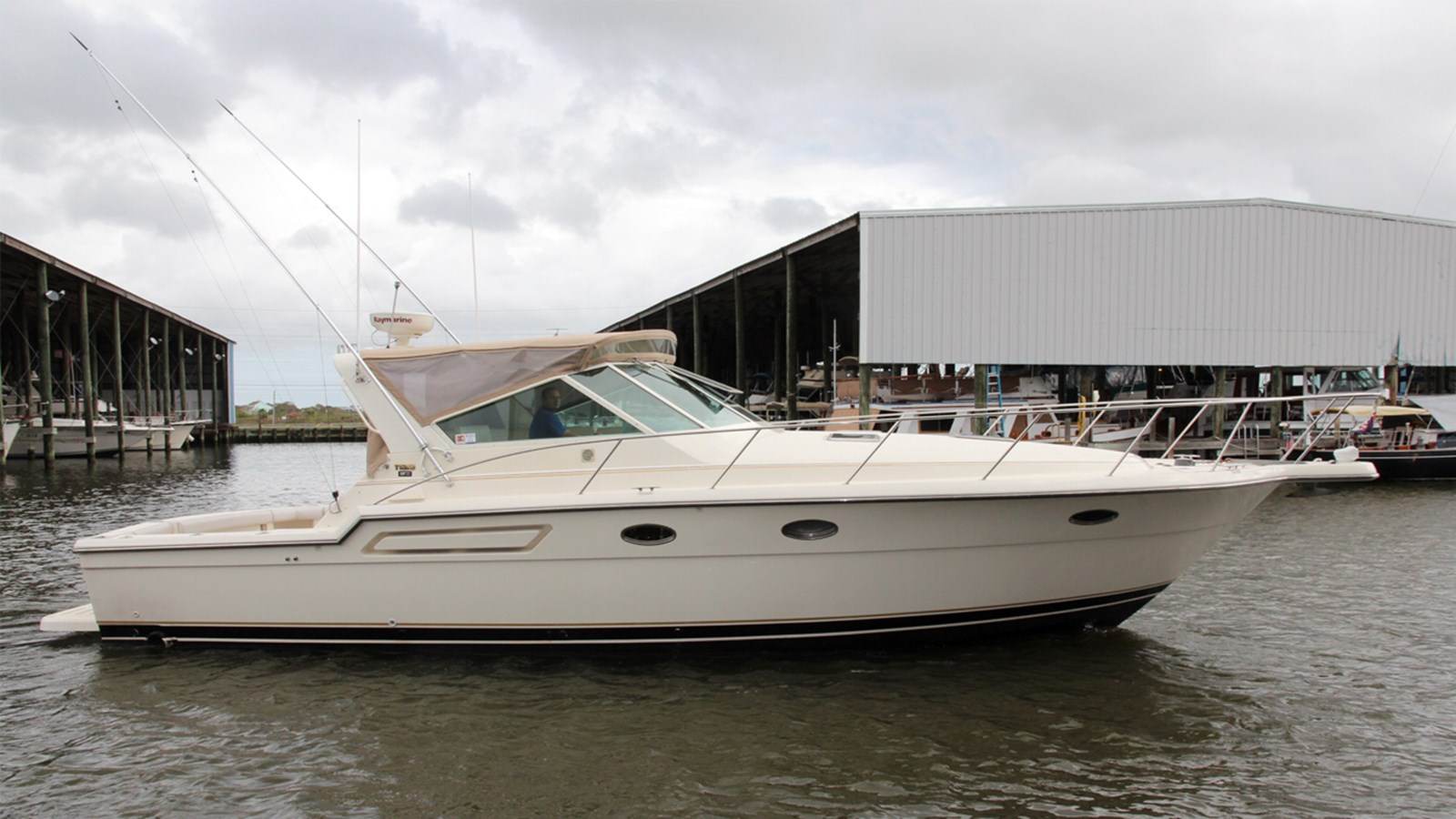 1998 TIARA 3700 Open For Sale