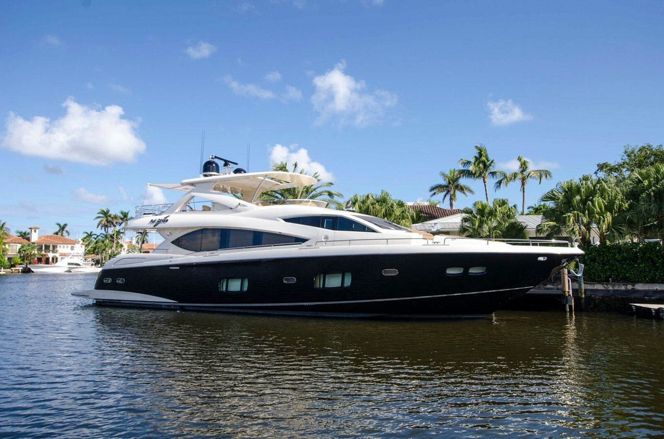 2014 SUNSEEKER 88 Yacht For Sale