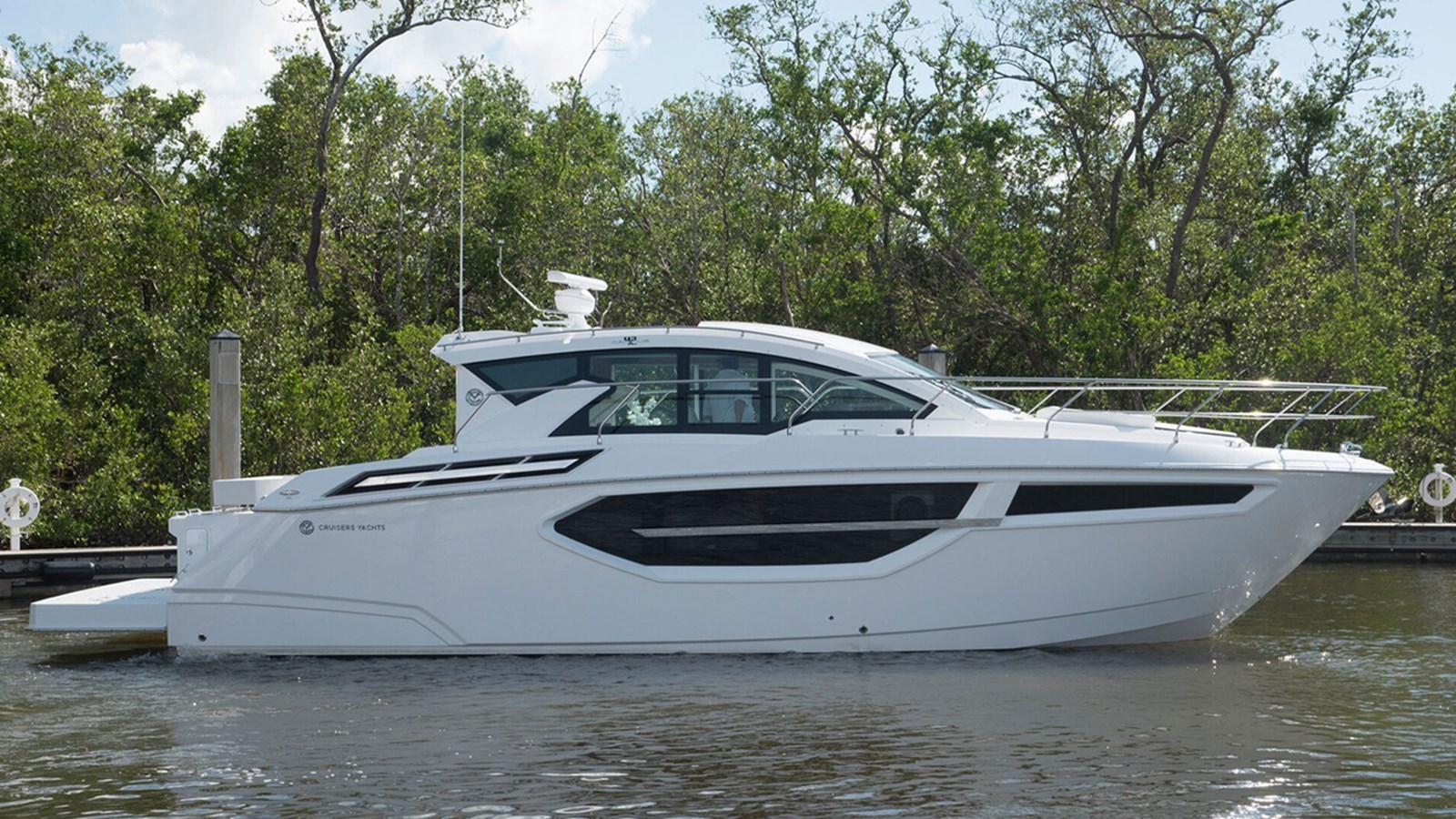 2018 CRUISERS 42 Cantius For Sale