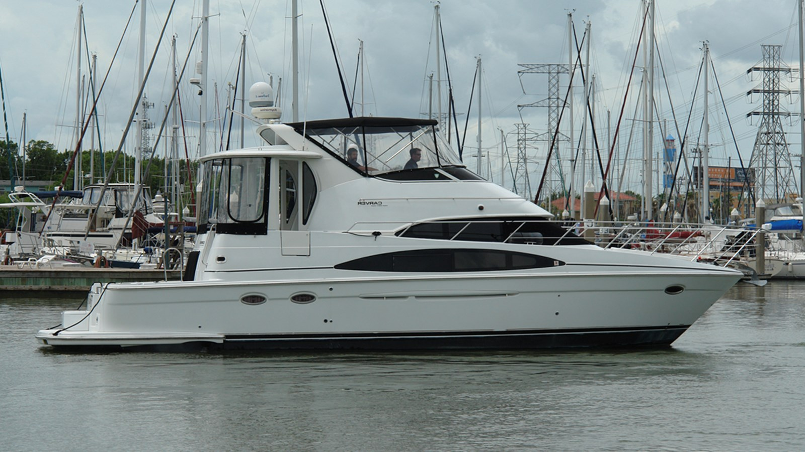 2003 CARVER 444 Cockpit Motor Yacht For Sale