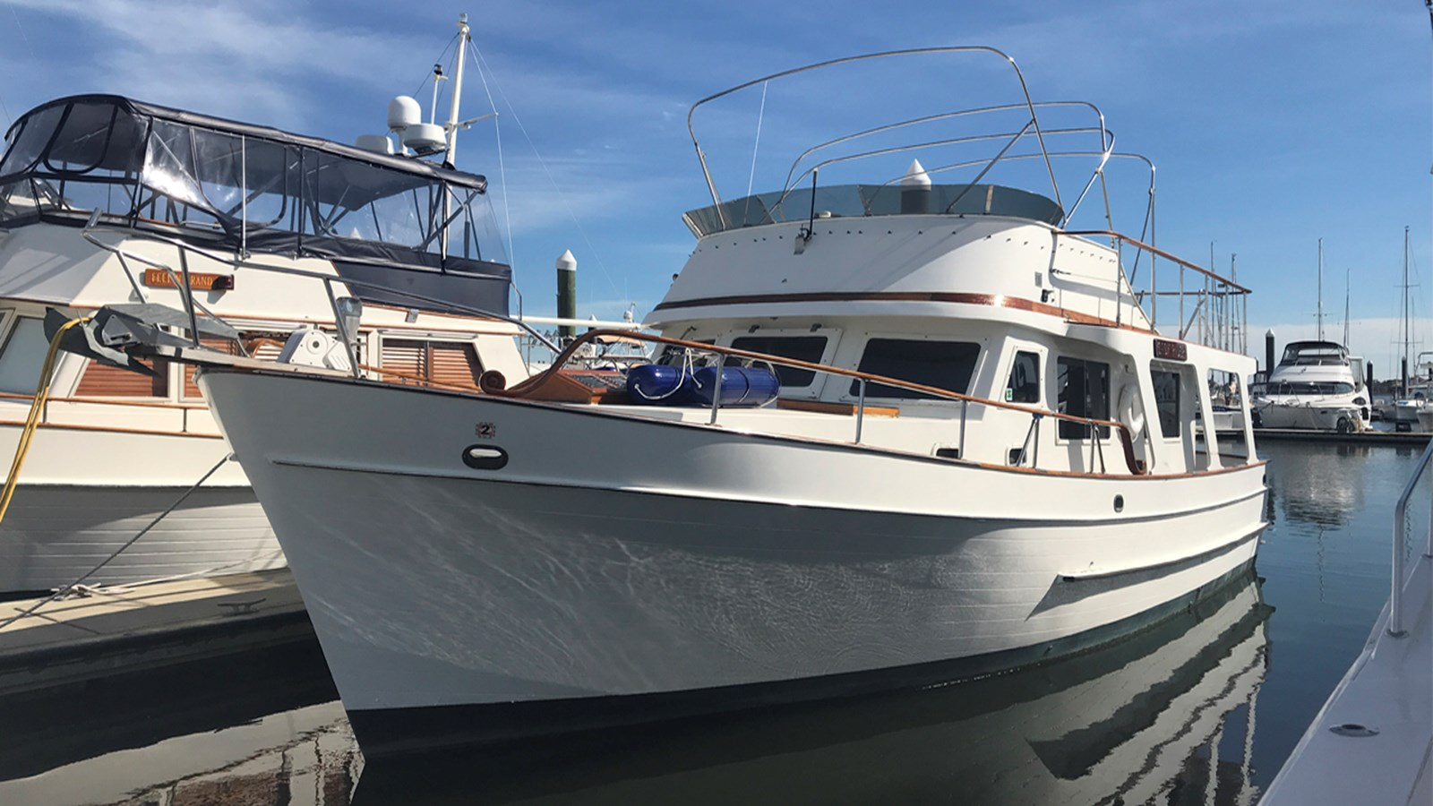 1983 MARINE TRADER 40 Europa For Sale