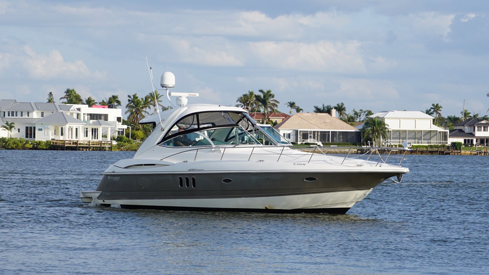 2006 Cruisers Yachts 420 Express For Sale