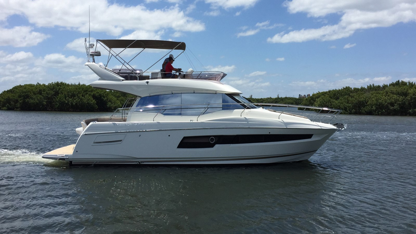 2017 PRESTIGE 460 Flybrige For Sale