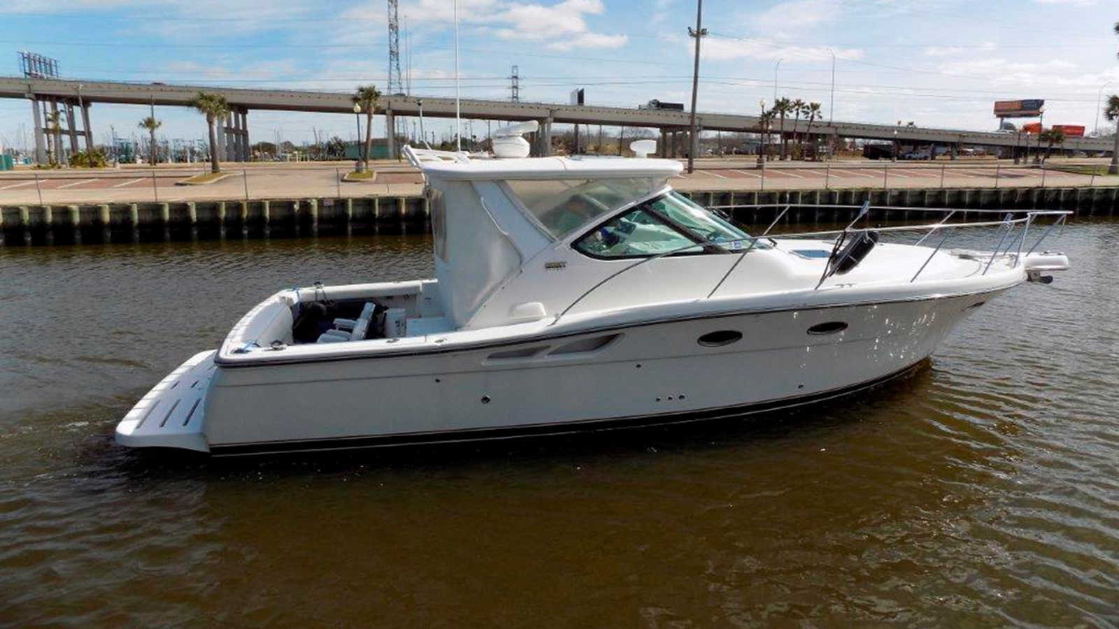 2007 TIARA 3200 Open For Sale