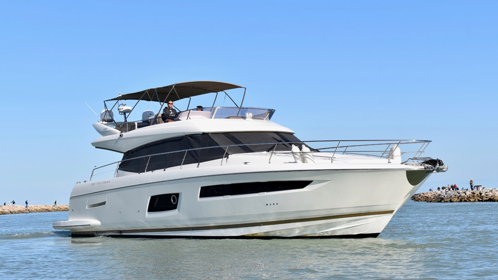 2014 PRESTIGE 550 Flybridge For Sale