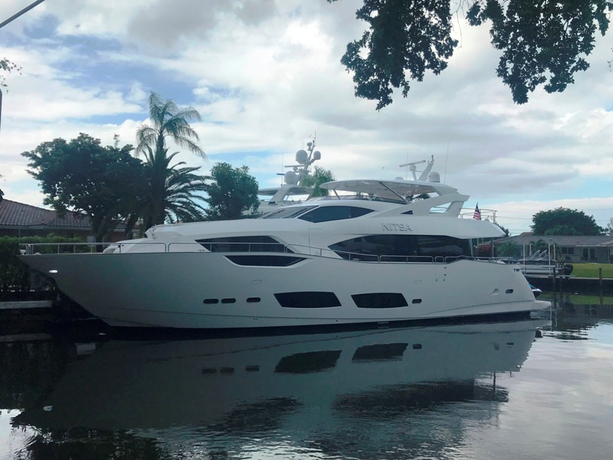 2017 SUNSEEKER 95 Yacht For Sale