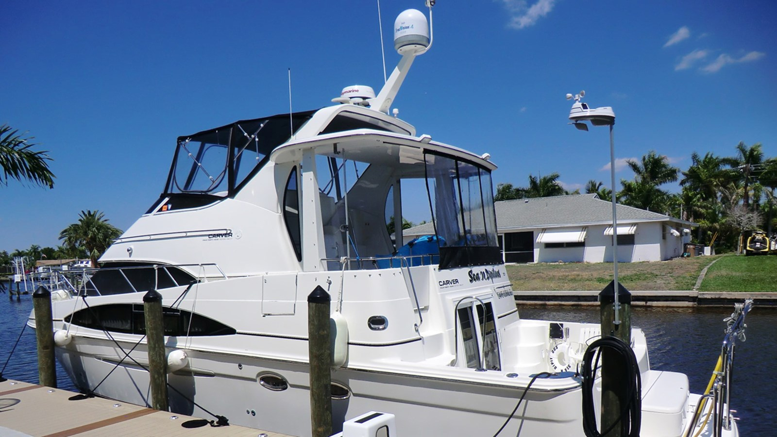 2004 CARVER 444 CPMY For Sale