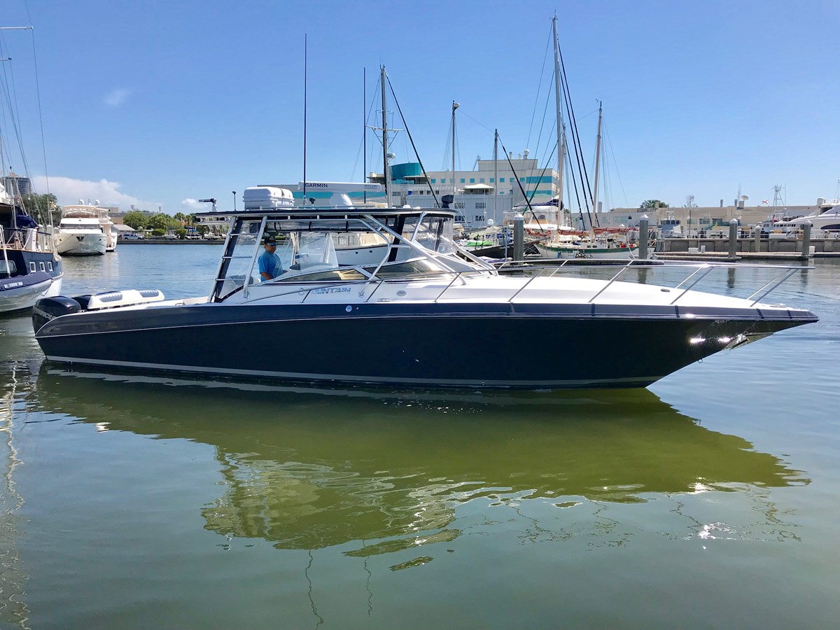 2009 FOUNTAIN 38LX For Sale