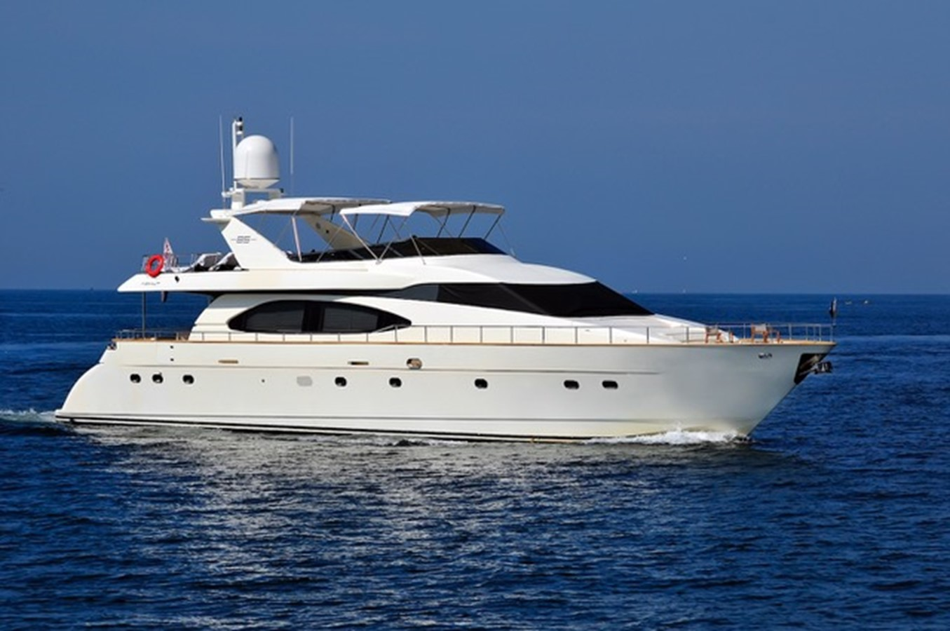 1998 AZIMUT 85 Ultimate For Sale