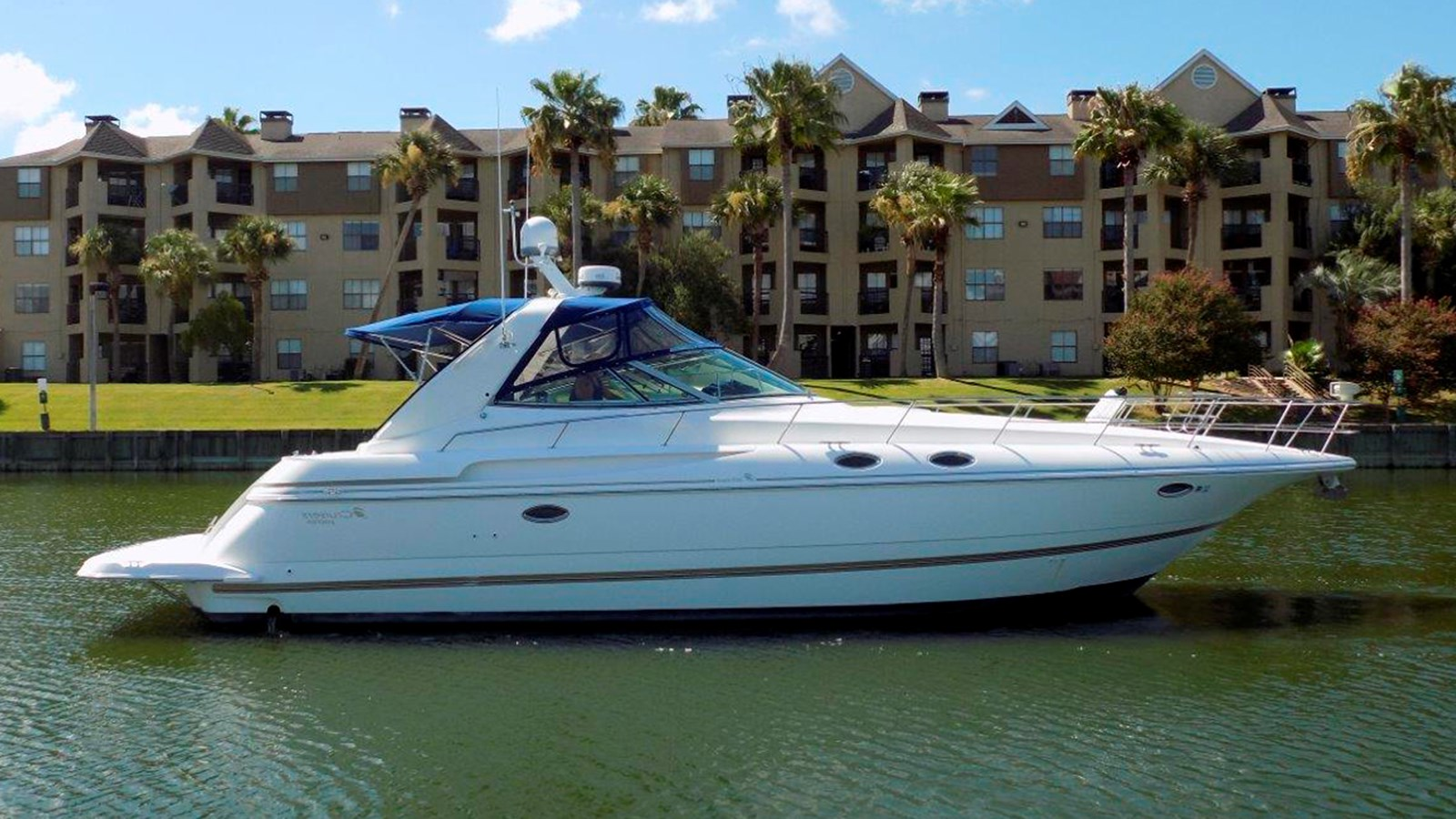 1998 CRUISERS 3870 Express For Sale