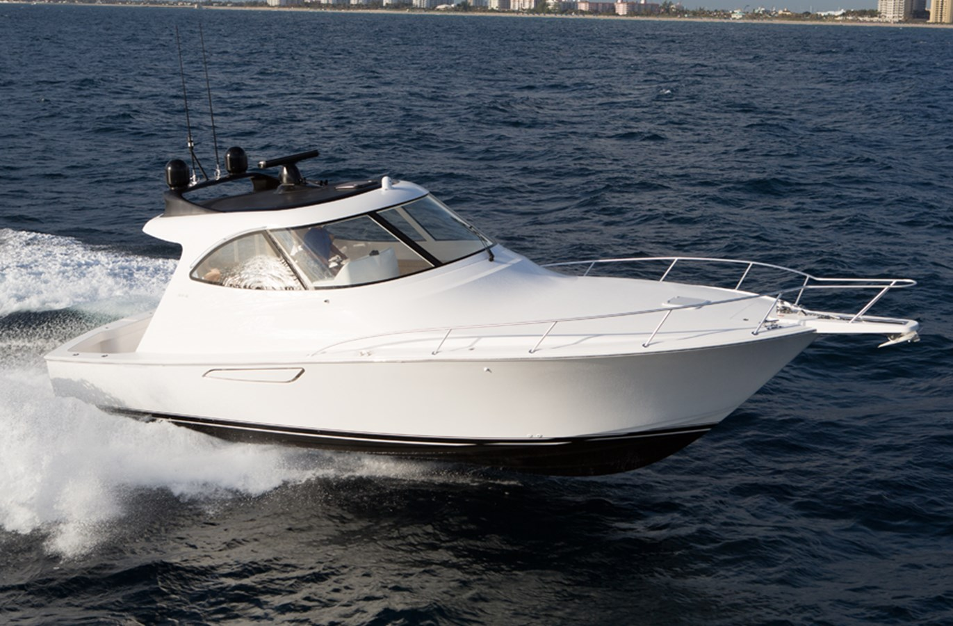 Viking 42 Sport Coupe Yacht