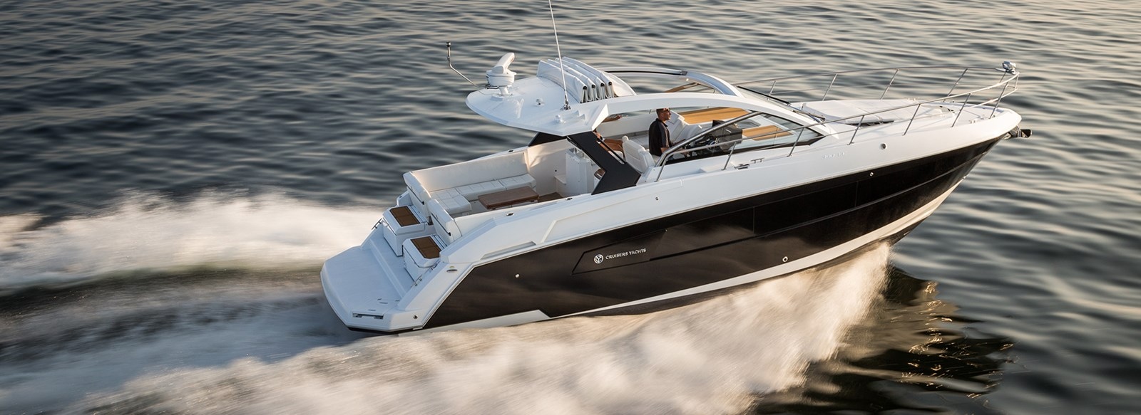 New Cruisers 390 Express Coupe Yachts For Sale