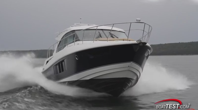 Cruisers 45 Cantius BoatTest