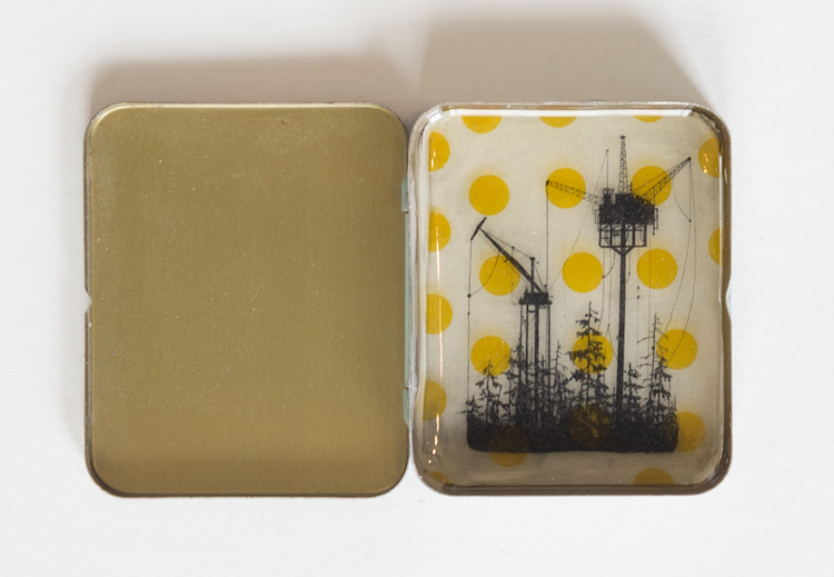 DeWitts Dotted Landscape Tin