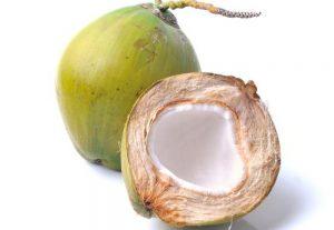 Quebro um coco verde na porrada com a foto da pessoa que você não gosta