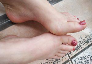 Um vídeo de 5 minutos e 15 fotos dos meus pés