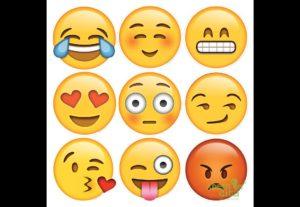 Faço 2 emojis do Whatsapp personalizados para você!
