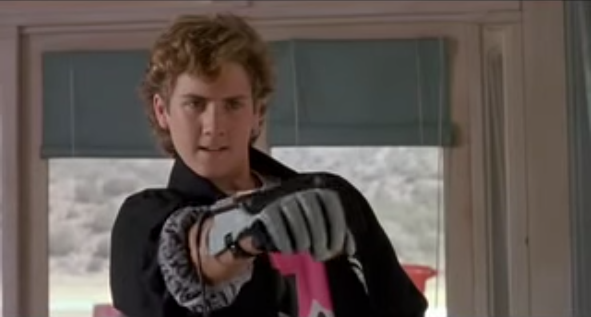 8 Reasons Why the Nintendo Power Glove Was Actually Awesome | Gammicks