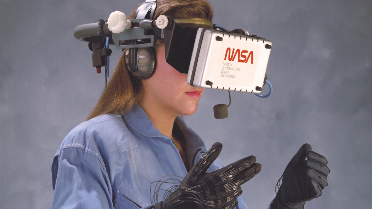 It Has NASA Roots | 8 Reasons the Nintendo Power Glove Was Actually Awesome | Gammicks