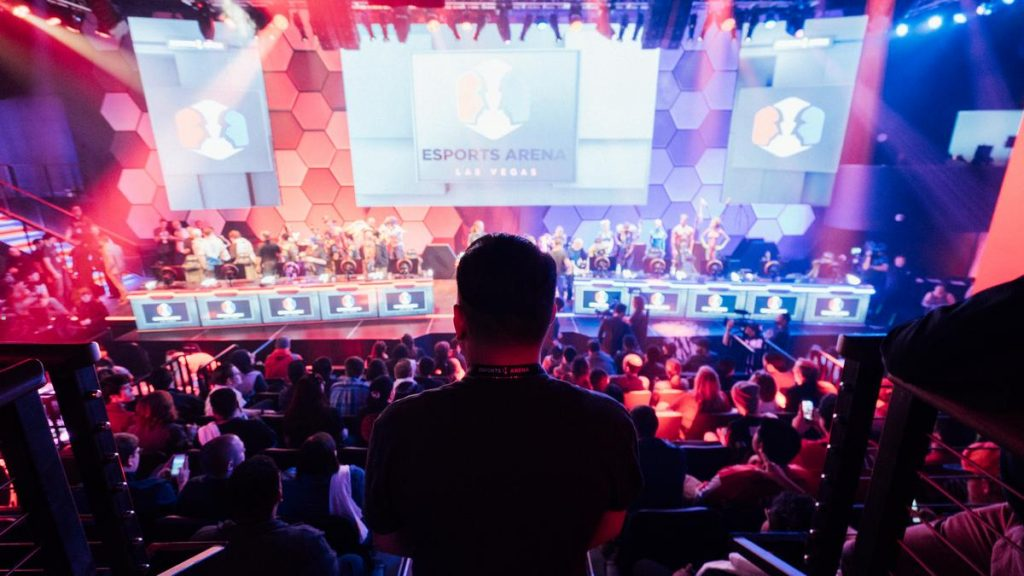 Major? Gaming | 8 Reasons Why E-Sports Will Redefine College Athletics | Gammicks