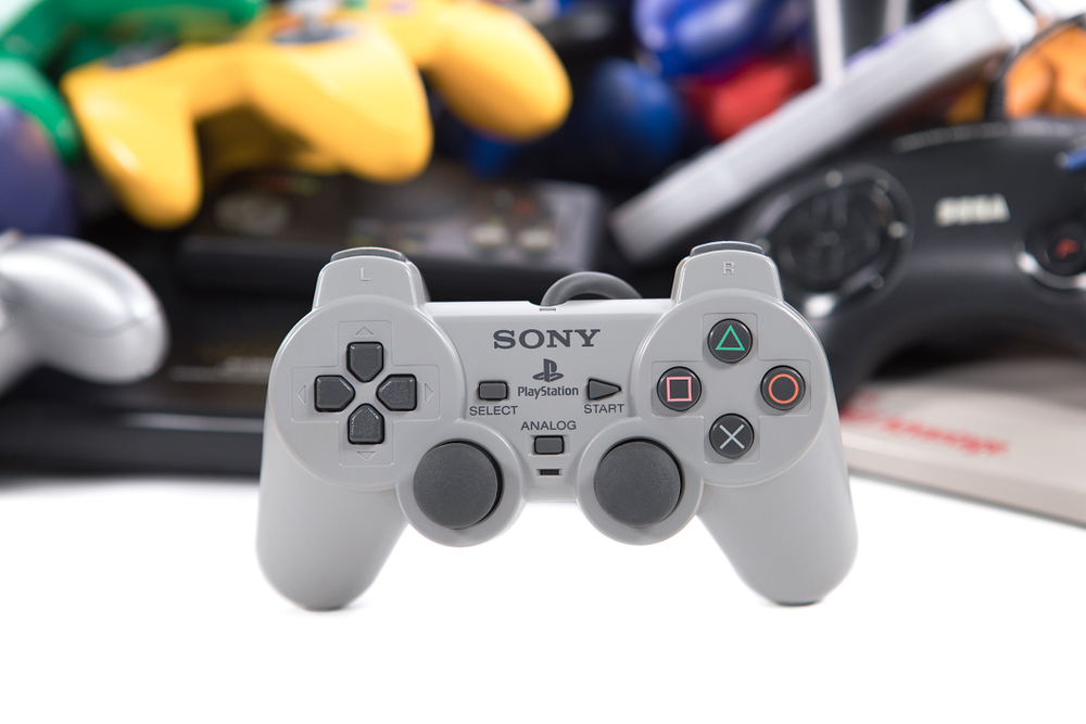 The Controller As You Know It | 8 Ways the Original Playstation Changed Gaming History | Gammicks
