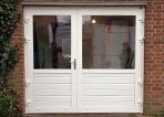 Openslaande asymmetrische garagedeuren