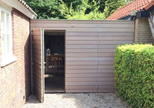 Houten openslaande garagedeuren foto s en voorbeelden