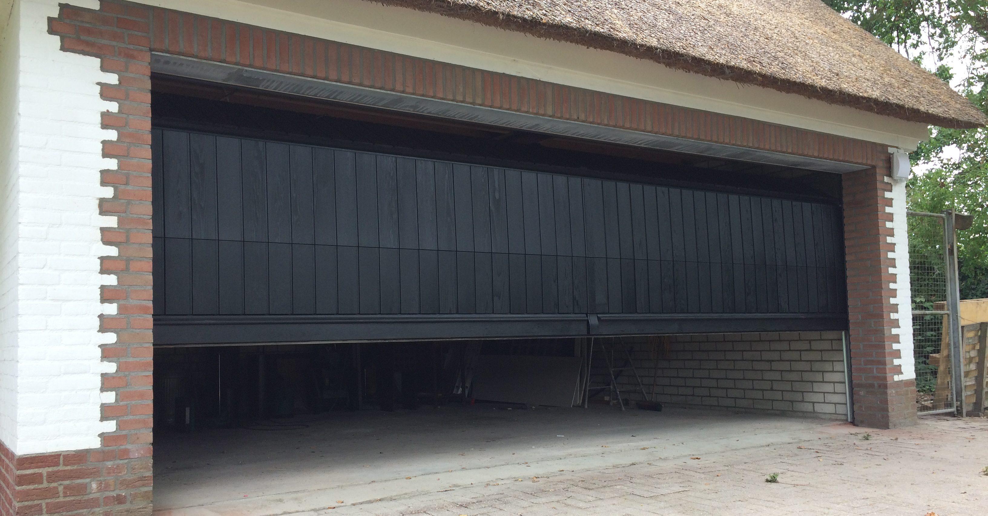 sectionaaldeur verticale delen Red Cedar