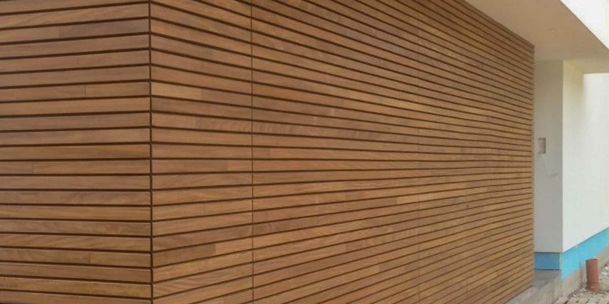 elektrische-houten-sectionaalpoort-en-houten-loopdeur-geintegreerd-in-de-gevel_0000_Laag-15