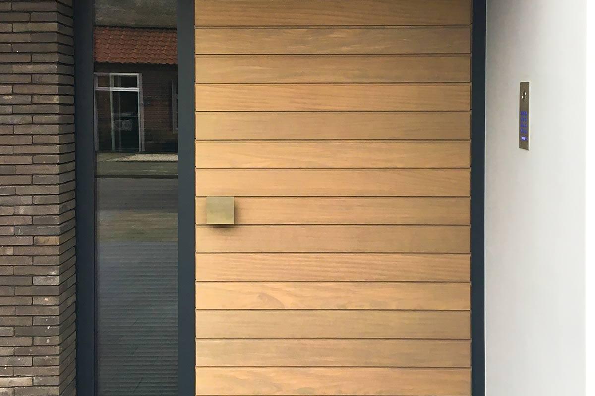 houten-voordeur-in-aluminium-kozijn-3