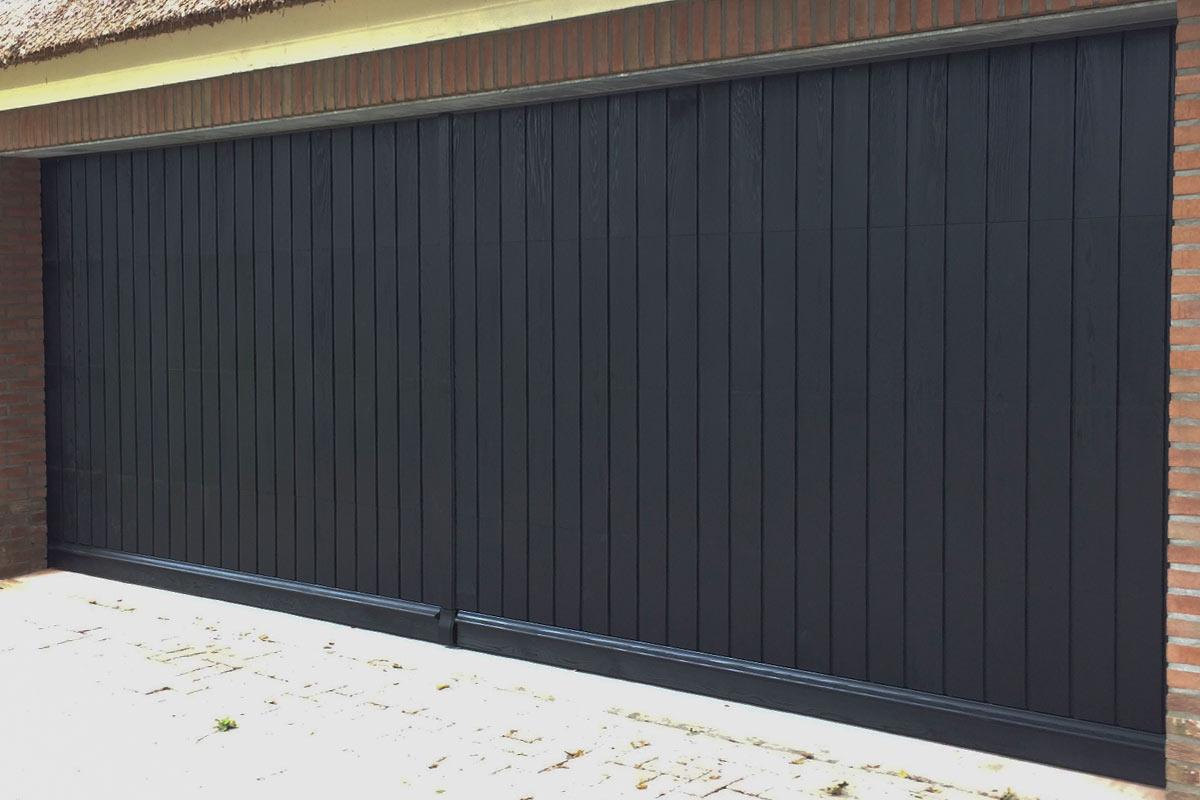 Houten-sectionaaldeur-verticale-delen-Red-Cedar-11