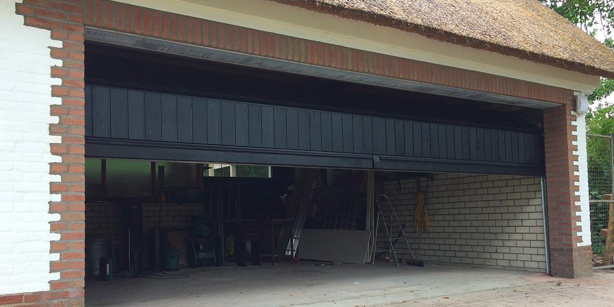 Houten-sectionaaldeur-verticale-delen-Red-Cedar-32