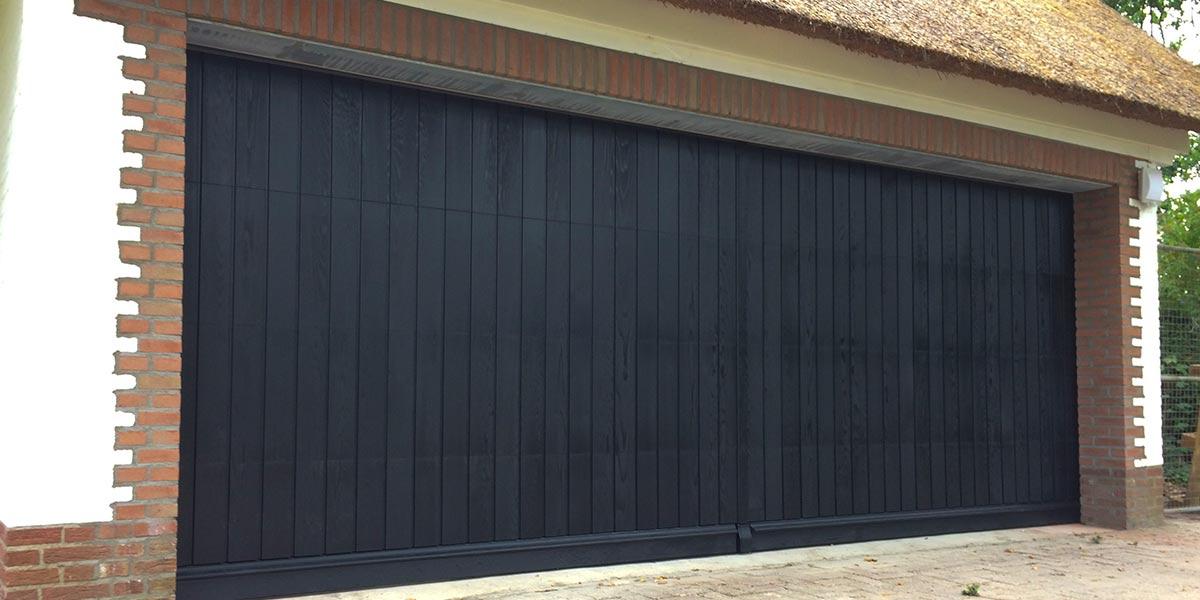Houten-sectionaaldeur-verticale-delen-Red-Cedar-41
