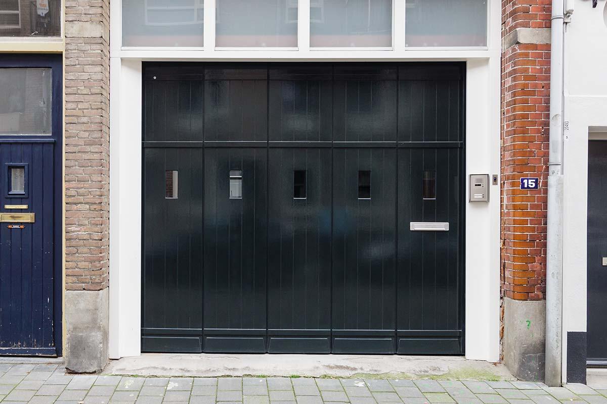 houten zijwaartse sectionaaldeur