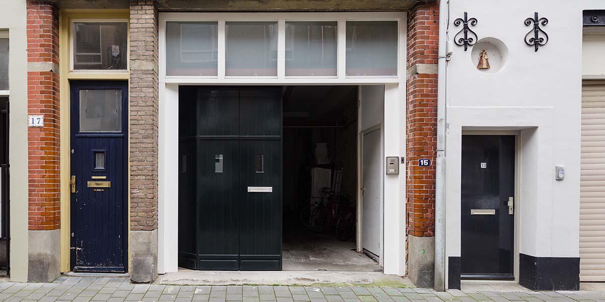 houten-zijwaartse-sectionaaldeur-monumentaal-pand-5