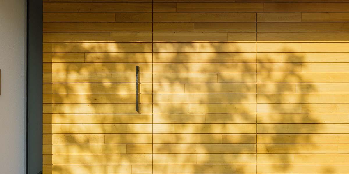 houten-garagedeur-in-vught-1