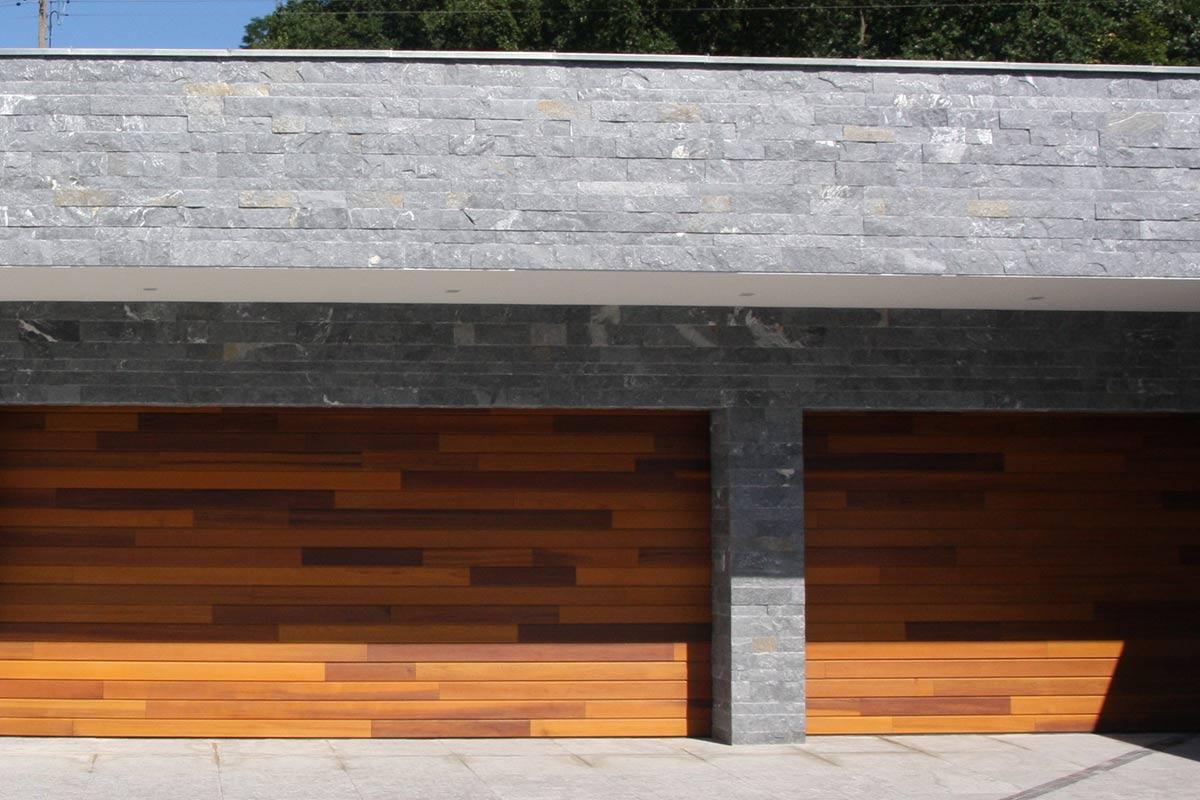 houten-garagedeuren-red-cedar-polen-5