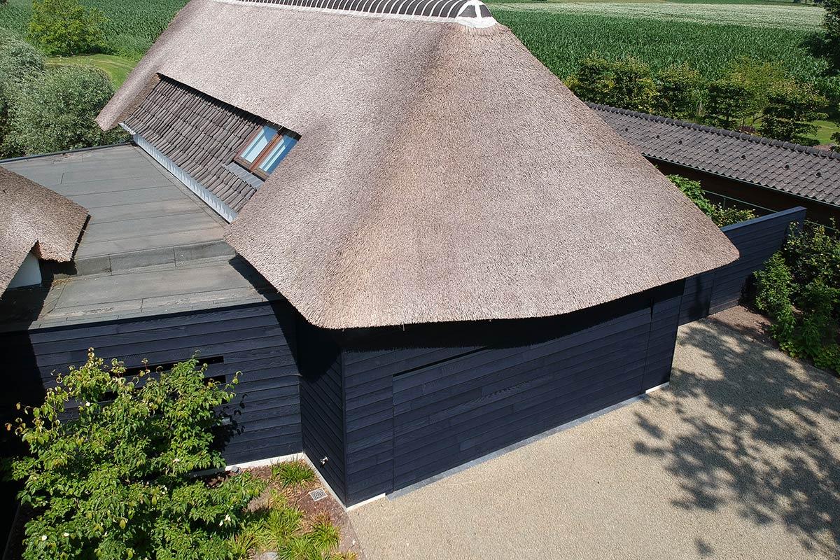houten-gepotdekselde-garagedeur-3