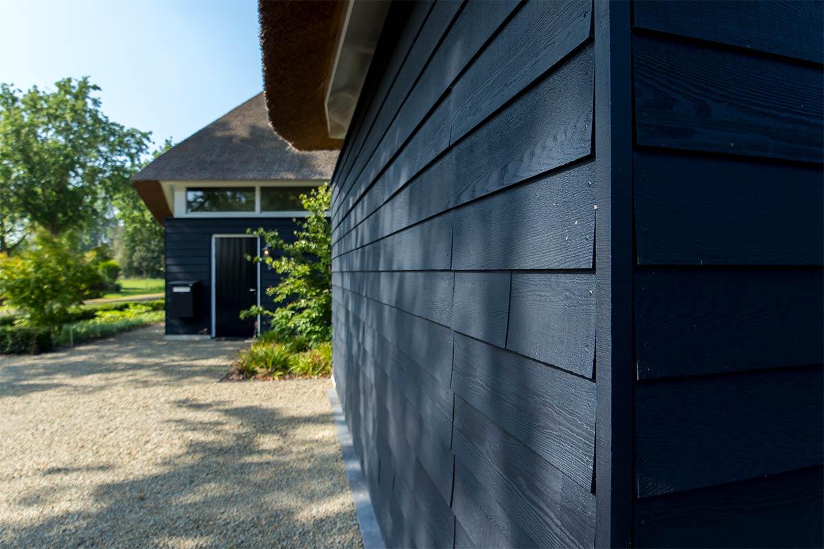 houten-gepotdekselde-garagedeur-4