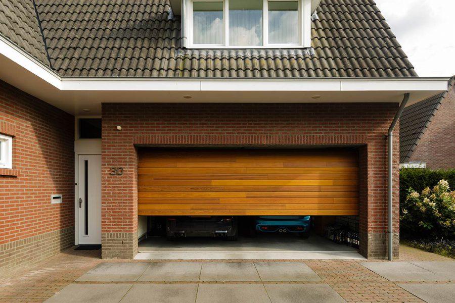 Red-Cedar-houten-sectionaaldeur