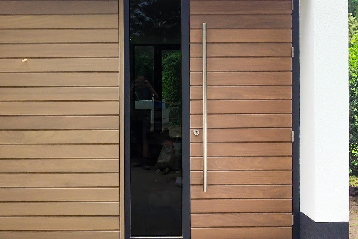 houten-voordeur-in-een-aluminium-kozijn-4