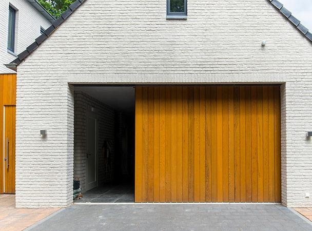 Bekend Zijwaartse garagedeuren » Uitstekende isolatie ⋆ Volledig naar TH34