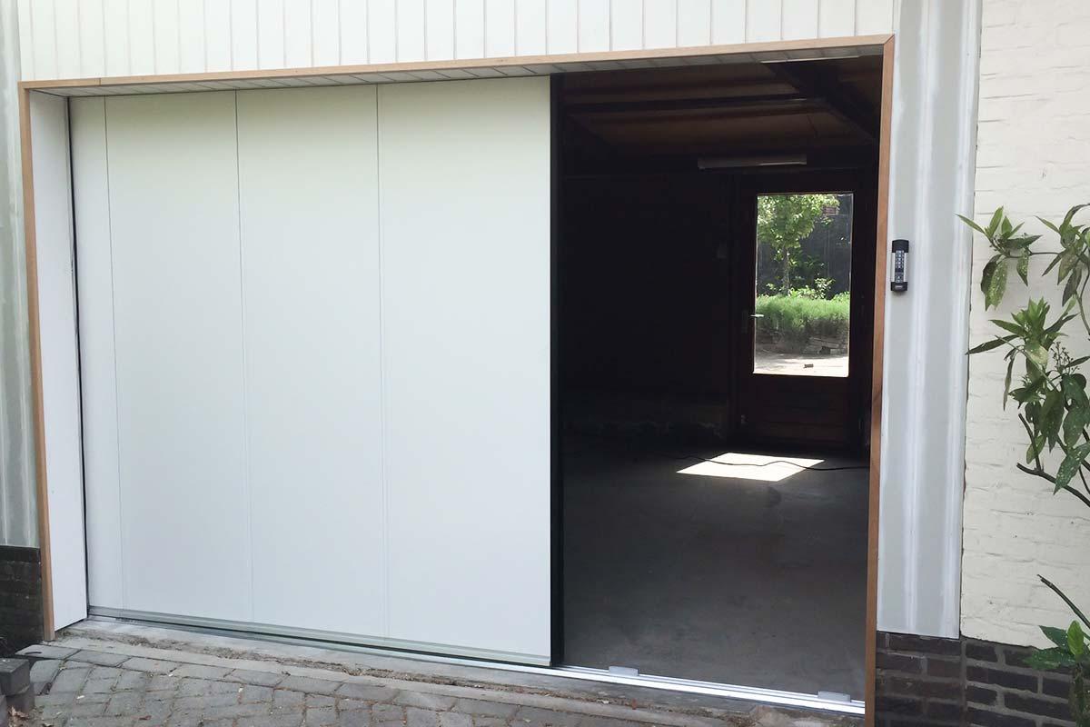 Onderhoudsarme-zijwaartse-garagedeur-3