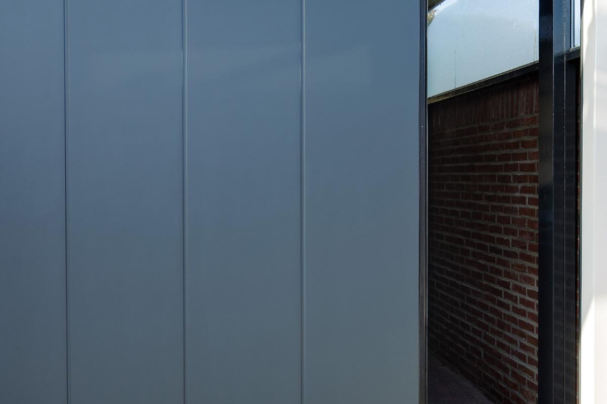 Onderhoudsarme-zijwaartse-garagedeur-4