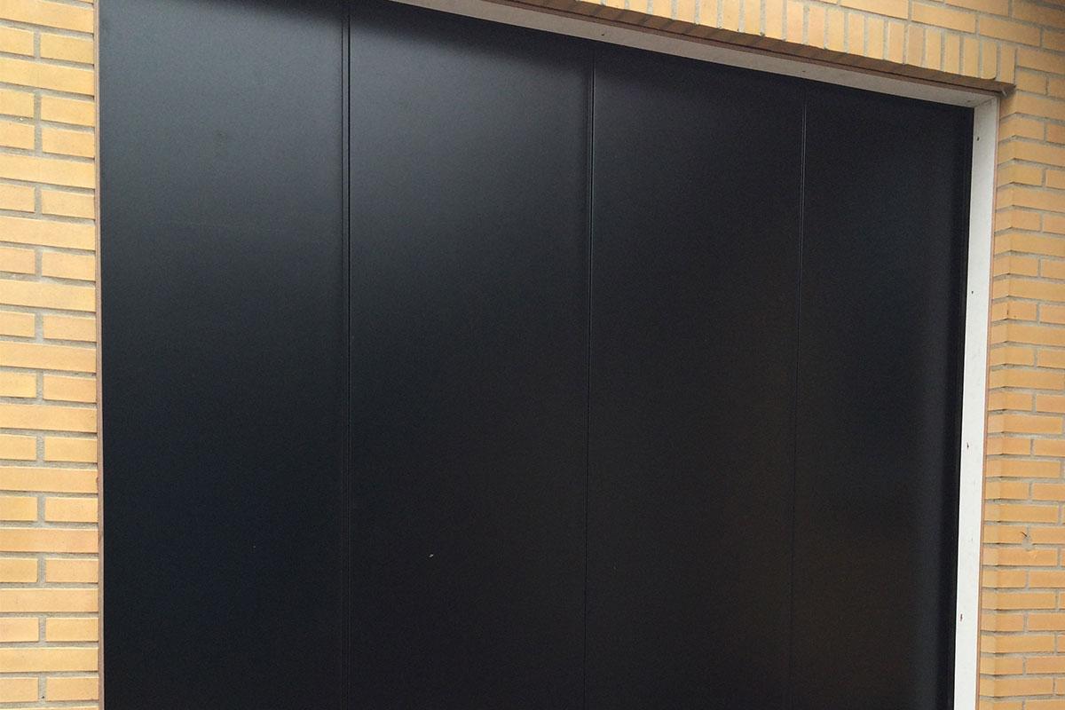 Onderhoudsarme-zijwaartse-garagedeur-5