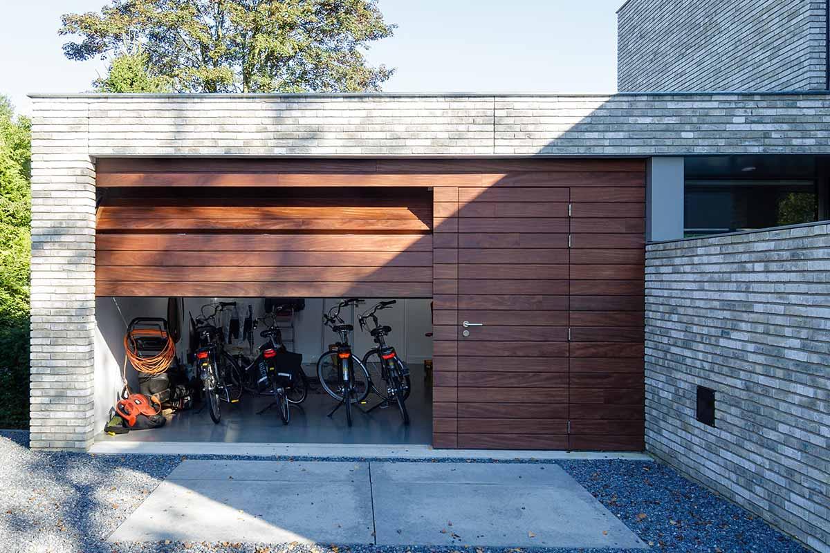 automatische-garagedeuren-hout-sectionaal