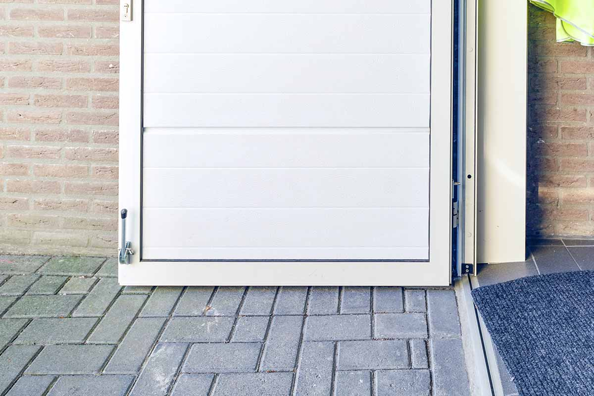 geisoleerde garagedeur wit