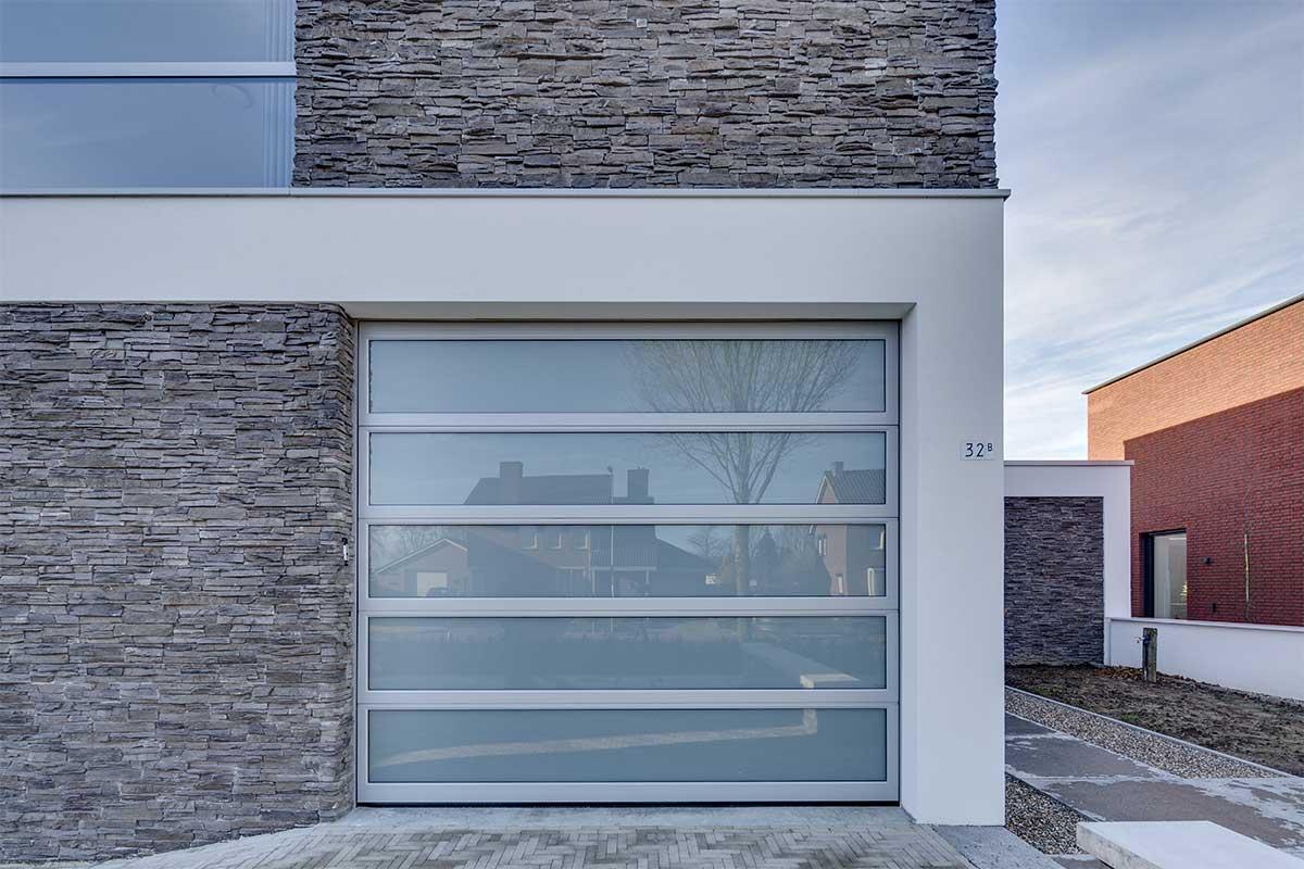 Volledig-glazen-sectionaaldeur-4