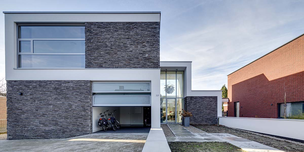 sectionaal-garage-deur-volledig-glas-elektrisch1